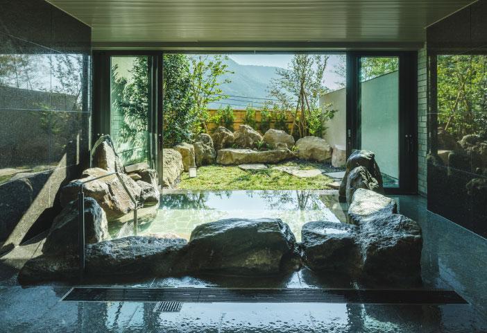 貸切風呂「岩の湯」