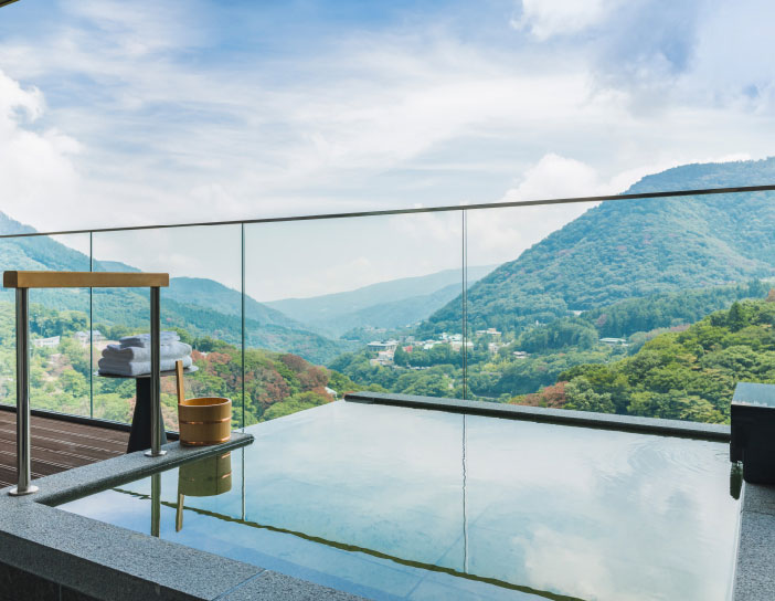Open-Air Hot Spring Baths Attached To Guest Rooms